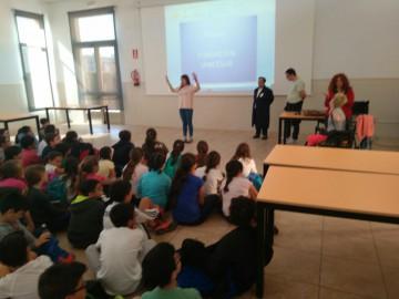 Un colegia viene a conocer a UPACESUR Jerez
