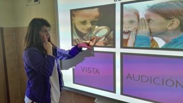 ASPACE Salamanca ya dispone de una nueva pizarra digital interactiva en el cole